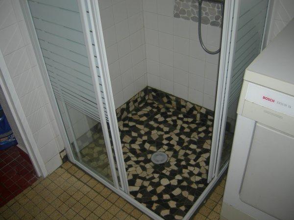 creation d 39 une douche a l 39 italienne installation electrique de machine a laver et seche linge. Black Bedroom Furniture Sets. Home Design Ideas