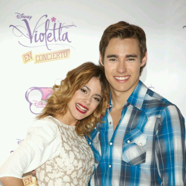 O.S *1er anniversaire ...* Leonetta (attention lemon)