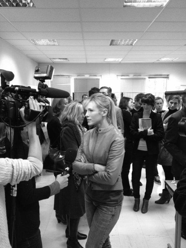 Lorie Piéces Jaunes  2012