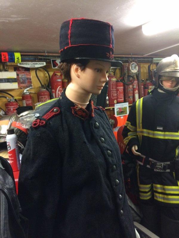 Tenue de pompier de 1880