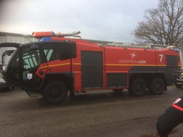 Journée pompier à St Exupery aéroport de Lyon  27/01/18