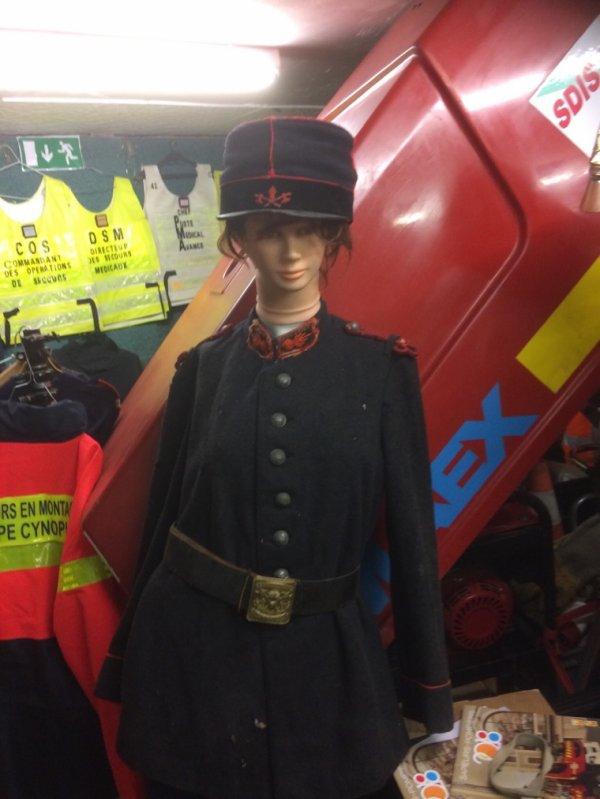 Diverses tenues pompiers