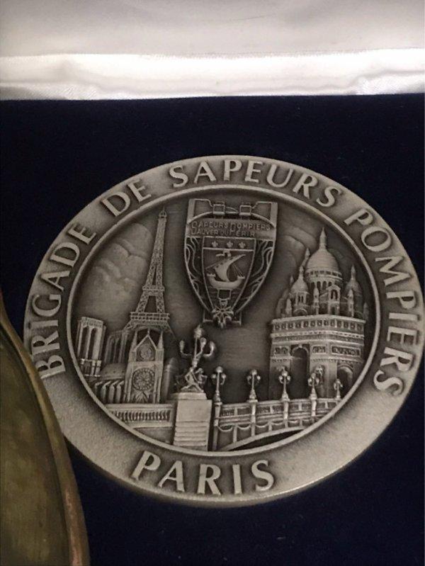 Diverses médailles paris