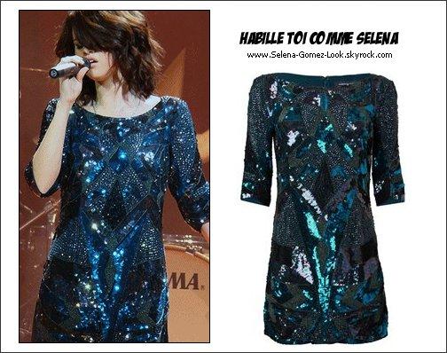 . Robe de de Selena de son concert à San Diego le 15 novembre..