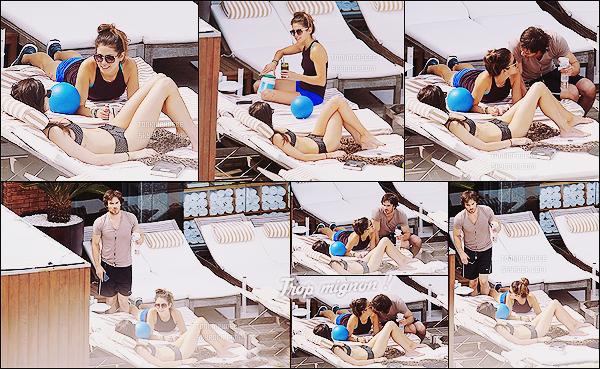 04/05/2015 : Après-midi détente pour Phoebe qui était en compagnie de Nikki Reed et Ian Somerhalder à Rio. Phoebe, Nikki et Ian étaient en train de faire bronzette dans leur hôtel nommé Fasano, situé à Rio de Janeiro. Mais.. ou est Paul? :p