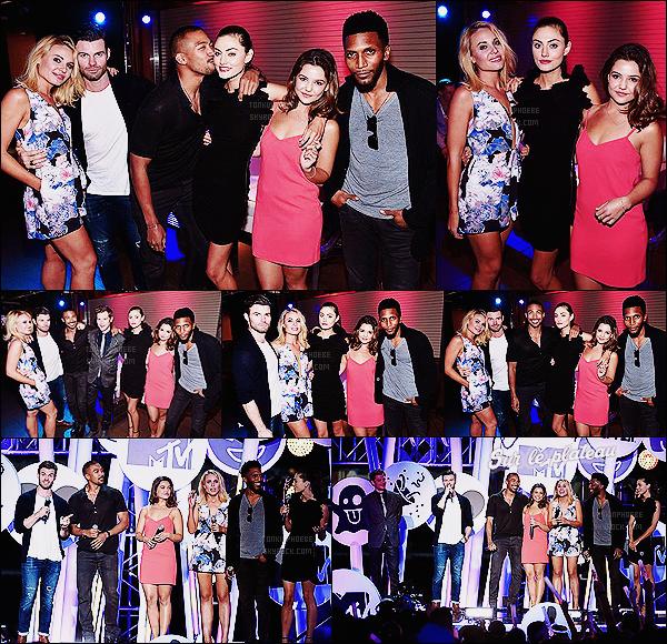 • Apparition publique - 09/07/2015 : Phoebe Tonkin s'est rendue à la MTV Fandom Awards à San Diego. Le Comic-Con 2015 ouvre désormais ses portes ! Le casting de The Originals fut présent au Petco Park pour cette cérémonie.