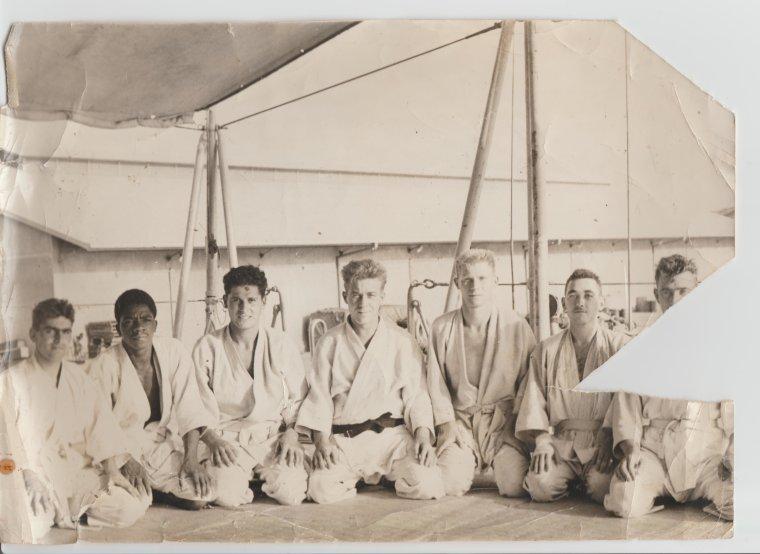 Entrainement de judo  sur L'AVISO FRANCIS GARNIER