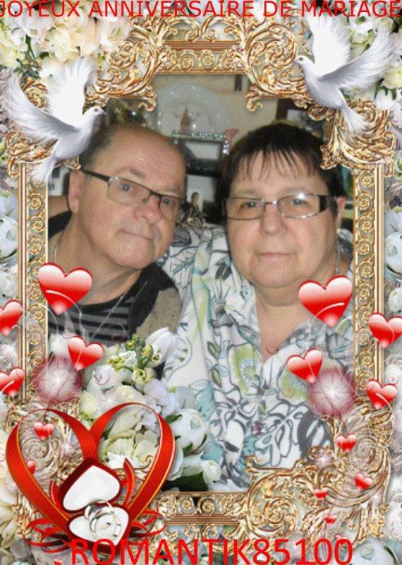 je suis très heureuse de pouvoir mettre ton sublimes cadeaux pour notre anniversaire de mariage j'adore ton jolie montage il est magnifique je te fait des gros bisous mon amie romantik85100 merci beaucoups gros bisous