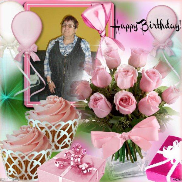 bonsoir mon amie Amina-princesse_réveuse je te remercie beaucoups pour c'est jolies cadeaux d'anniversaire sa ma fait trop plaisir je te souhaite une très bonne soirée et je t'envoie des milliers de gros bisous