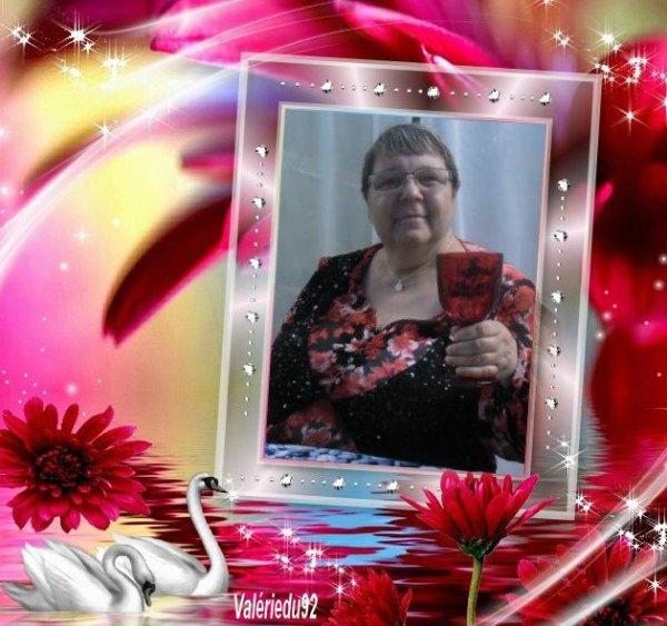 bonjour mon amie Valeriedu92 qu'elle jolie cadeau sa me rappelle le jour ou j'ai était voir ma nourrice car sa faisait 30 ans que je l'avais pas vue je te souhaite un bon dimanche après-midi et je te fait tout plein de gros bisous