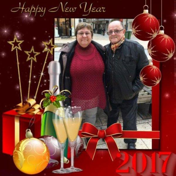 bonsoir mon amie CiscoO-bbey mercie pour ce magnifique cadeau du nouvel ans c'est trop gentil moi je vous souhaitent mes meilleurs voeux 2017 et plein de jolies choses et aussi la santé je te souhaite une bonne et douce nuit gros bisous