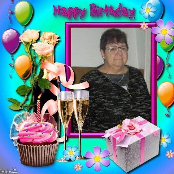 bonsoir mon amie annick-du-62 mercie pour ce magnifique montage pour mon anniversaire c'est trop gentil et sa me fait trop plaisir je suis trop contente je te souhaite une très bonne soirée et je t'envoie tout plein de gros bisous
