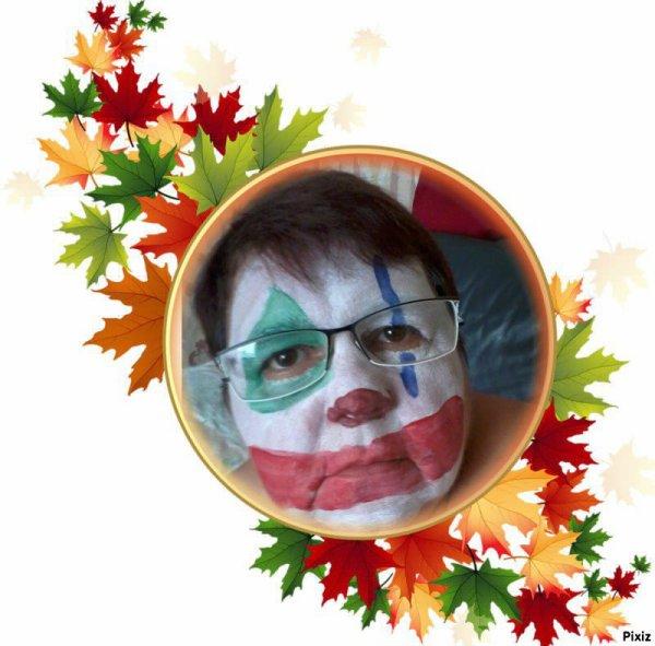 bonsoir mon amie loulou1725 un grand mercie pour ce magnifique cadeau qui ma fait trop plaisir et oui je suis belle en clown je te souhaite une très bonne soirée ainsi qu'une bonne et douce nuit