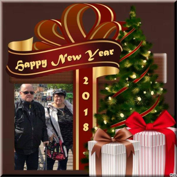 bonjour mon amie LOULOU1725 mercie pour ce sublime cadeau de la nouvel année 2018 j'espère que tu vas bien mon mari sa va un peu mieux je te souhaite mes meilleurs voeux pour 2018 avec tout plein de bonne chose pour cettte nouvel année moi je t'envoie tout plein de gros bisous