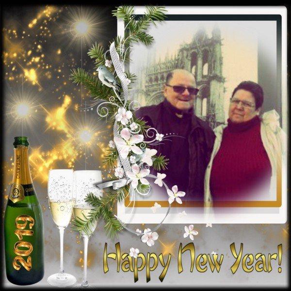 Bonsoir mon amie karinekdo je viens de rentrée de chez ma belle-fille et j'ai passer une belle après-midi ont n'as manger de la galette des rois encore mercie pour ce magnifique cadeaux de la nouvelle Année je t'envoie mes meilleurs voeux pour 2019 et je t'envoie tout plein de gros bisous