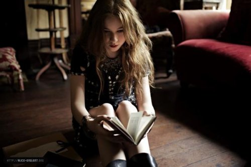 Shoot de Harper's Bazaar à la manière de Beautiful Creatures : Lena !