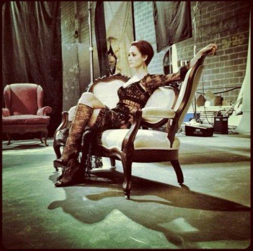 Photo de Ridley sur le canapé de Ravenwood