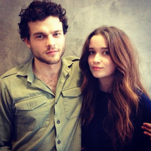 Photo d'Alden Ehrenreich et Alice Englert