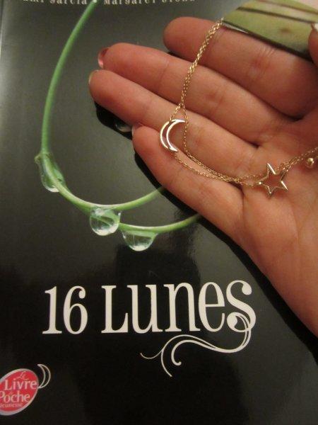 Bracelet 16 lunes et livre de poche 16 lunes gagnés