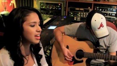"""Jasmine Villegas : """"Natural"""", son nouveau single, en version acoustique !"""