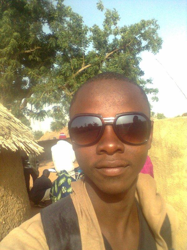 ASSOUMANE LE LASS NIGERIEN pandent mon sejour au village