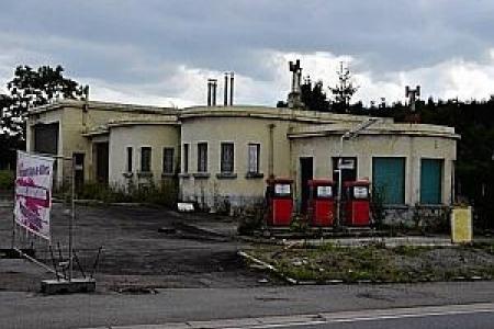 à Fosses-la-ville, il y avait un bien beau garage -station service