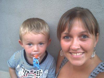 mon fils d'amour et moi !!! je l'aime du plus profond de mon coeur, c'est un amour avec sa maman