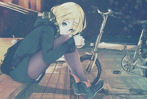 Demande d'images~ : Une fille blonde avec une coupe au carré !