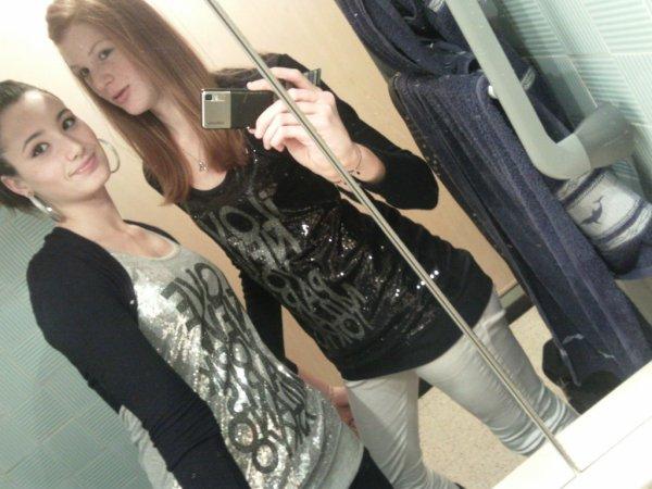 La soeur que j'ai toujours rêvé d'avoir , elle est essentielle a ma vie , mes surtout a mon coeur  !