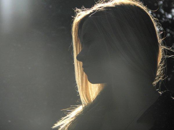 La mort n'est pas une fille facile. Elle se refuse à ceux qui la veulent, se donne à ceux qui la repoussent.