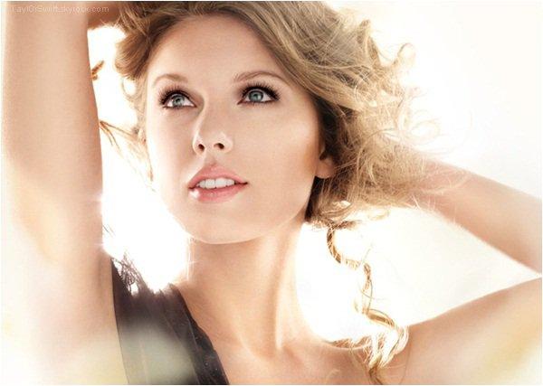 . Nouvelle photo pour la marque de cosmétique Cover Girl_ .
