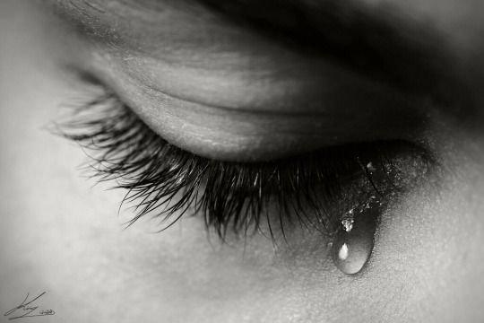 ......Larmes......Douces ou amères, les larmes soulagent toujours !!!!!!!