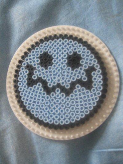 smiley bleu en perles à repasser!!