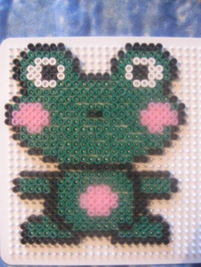 grenouille en perles à repasser!!