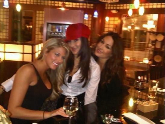Kelly Nikki et Brie