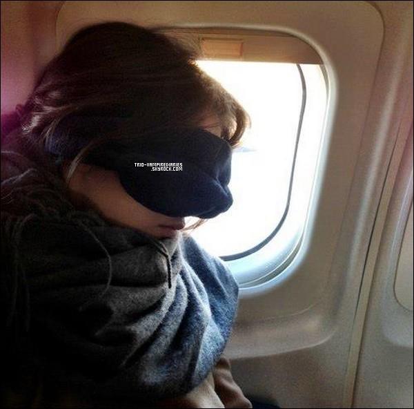Nina a postée cette photo d'elle dans l'avion pour la Nouvelle Orléan, sur twitter.