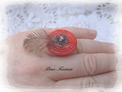 bague rouge à plume en fil aluminium country western