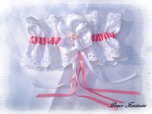 jarretière blanche et rose romantique