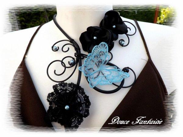 Collier noir turquoise arabesque cuir dentelle