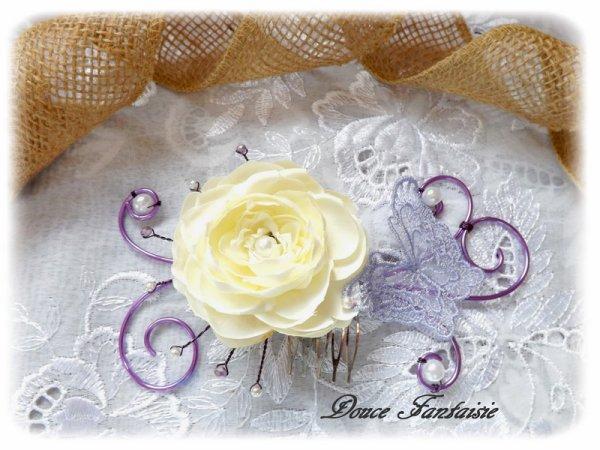 Peigne fleuris papillon mauve et jaune fil aluminium violet