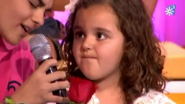 Abraham Mateo sorprende a una fan de 4 añitos!! Le dedica Mi princesa de David Bisbal