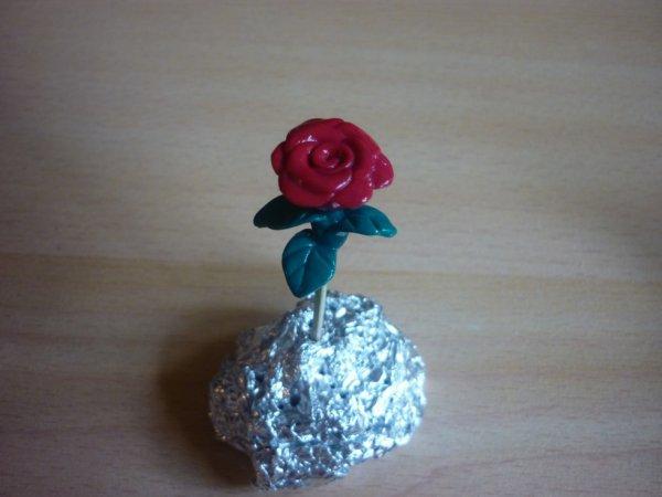 Rose rouge en fimo