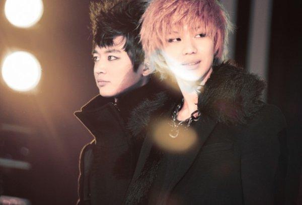 Battle partie 2, uel est le plus  beau couple yaoiiiiiiiiiiiiiiiiiiiiiiiiiii (kpop) (perso moi c'est Taemin et Minho,Hunhan et Vkook 8-p)