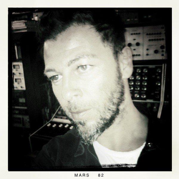 Christophe Maé à Londres dans un studio...