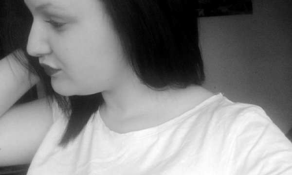 • Lève ta tête, ravale tes larmes car ta fierté restera ta plus belle arme!