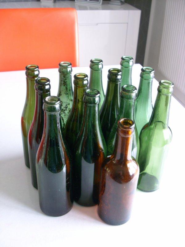 13 bouteilles anglaises trouver dans une ferme a vendre 9 euro + frais de port