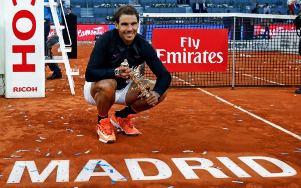 Rafa  Madrid   master 1000)   Rafa en 1/2 final !!  Rafa battu par Tsitsipas