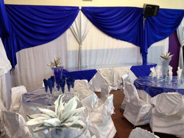 Deco bleu royal decoration de salle for Deco bleu et jaune