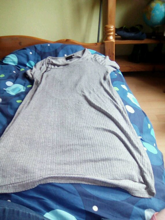 À vendre robe femme neuve taille 44/46 prix 15 Euros