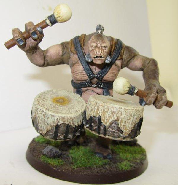 Troll du Mordor avec tambours